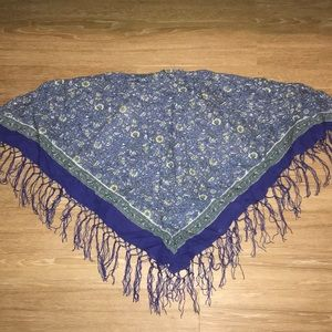 Accessories - Floral fringed scarf